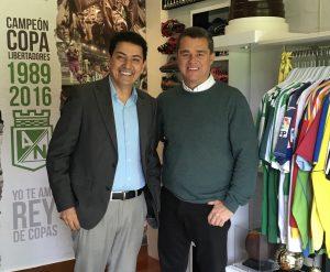Con Carlos Raúl Yepes en el santuario a Atlético Nacional en su casa.