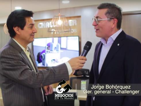 Este es Jorge Bohórquez, gerente de Challenger