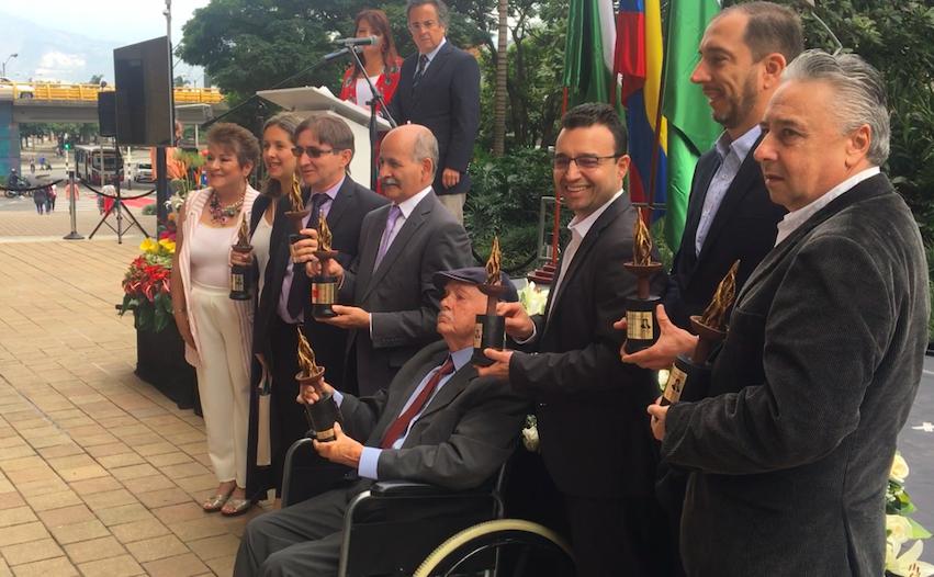 Periodistas galardonados por el Club de la Prensa de Medellín