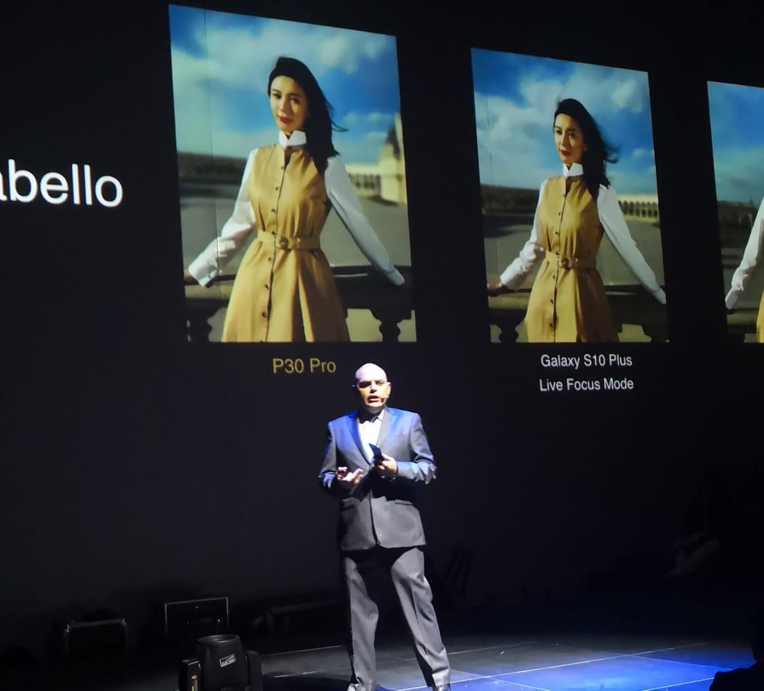David Moheno presentó el P30 de Huawei