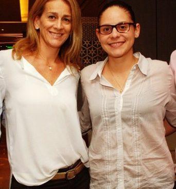 Andrea Buenaventura, con su hija, la antropóloga Daniela Otero