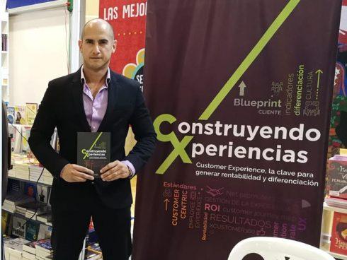 Rodrigo Fernández de Paredes, autor del libro