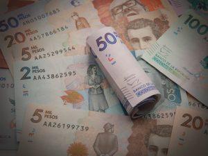 El verdadero peso de los tres pesos. en Colombia