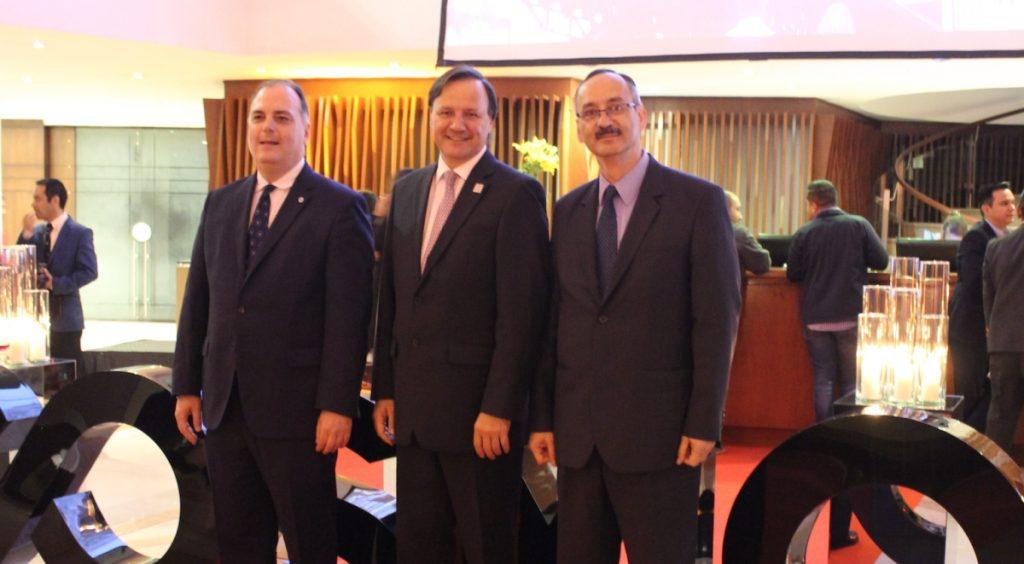 Rodrigo Tsutsumi, Juan Carlos Pradilla y Gustavo Adolfo Toro