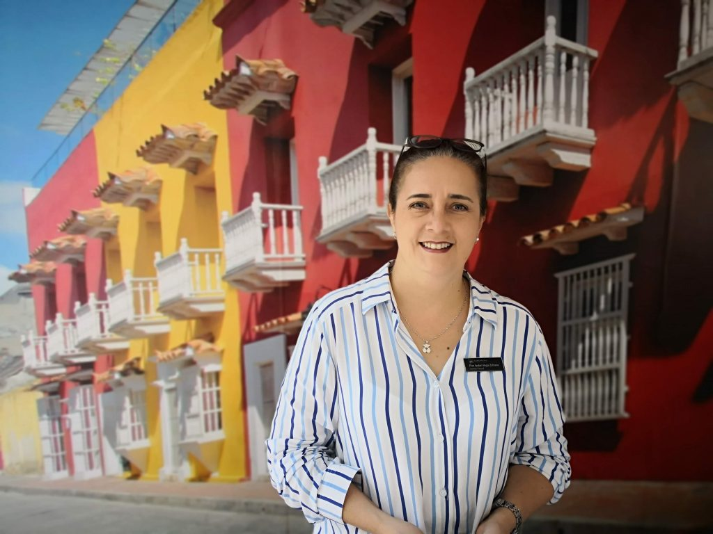 Flor Isabel Vega, gerente general, Armería Real Hotel.