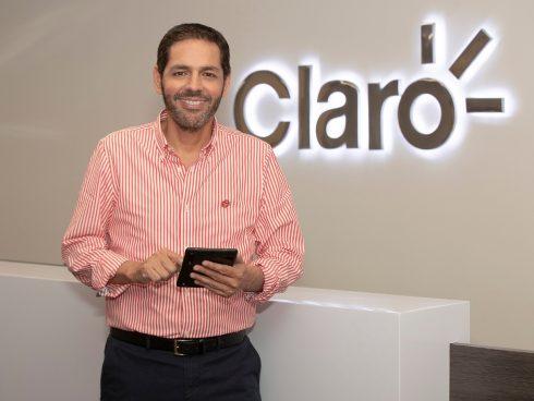 Carlos Zenteno, Claro.