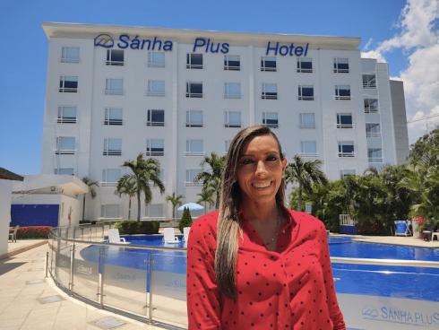 Carolina Ortega, Sanha Plus.