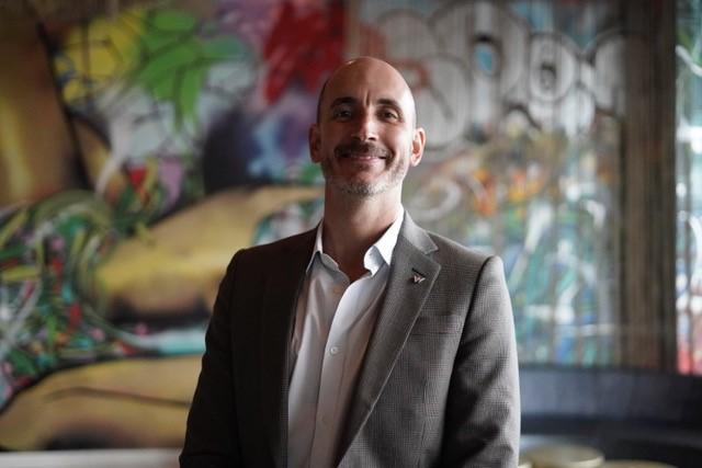 Gustavo Lovera, W Bogota.