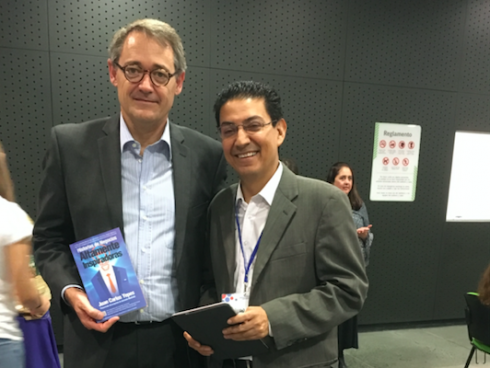 Oscar Cabrera, de BBVA, con Juan Carlos Yepes