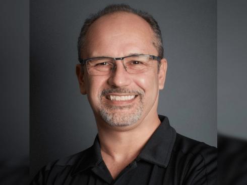 Darío Llorente, Adobe